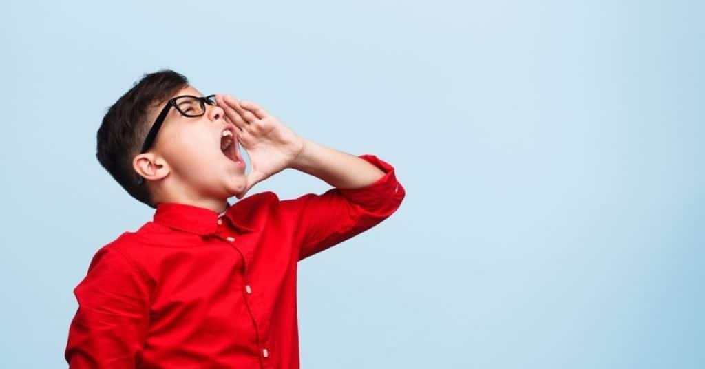 Améliorez votre oral en lisant à haute voix